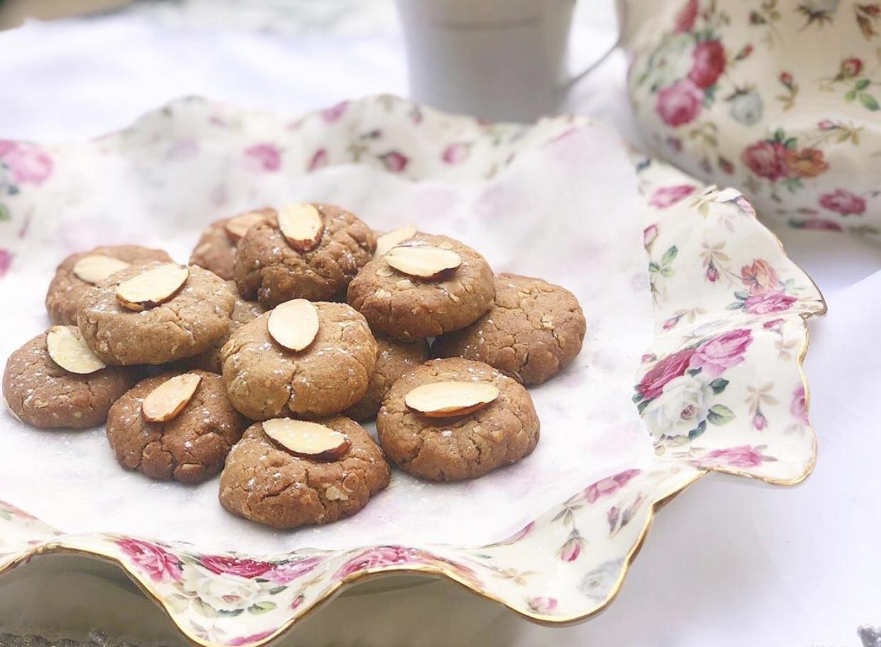 עוגיות טחינה טבעוניות בריאות וממכרות !